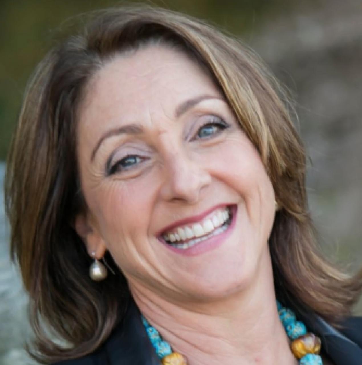 Lynne Schinella